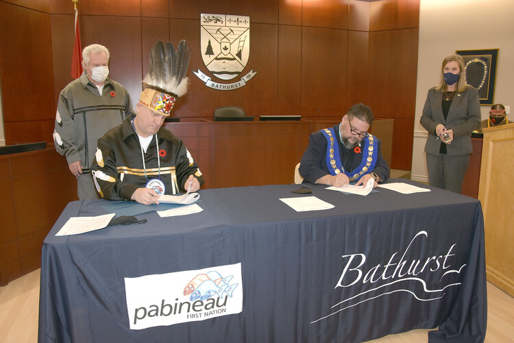 Bathurst and Pabineau First Nation strengthen relationship with protocol agreement